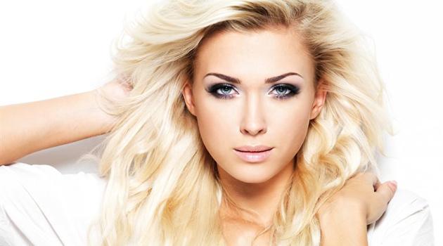 Женщина блондинка